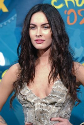 megan fox long Wavy curls